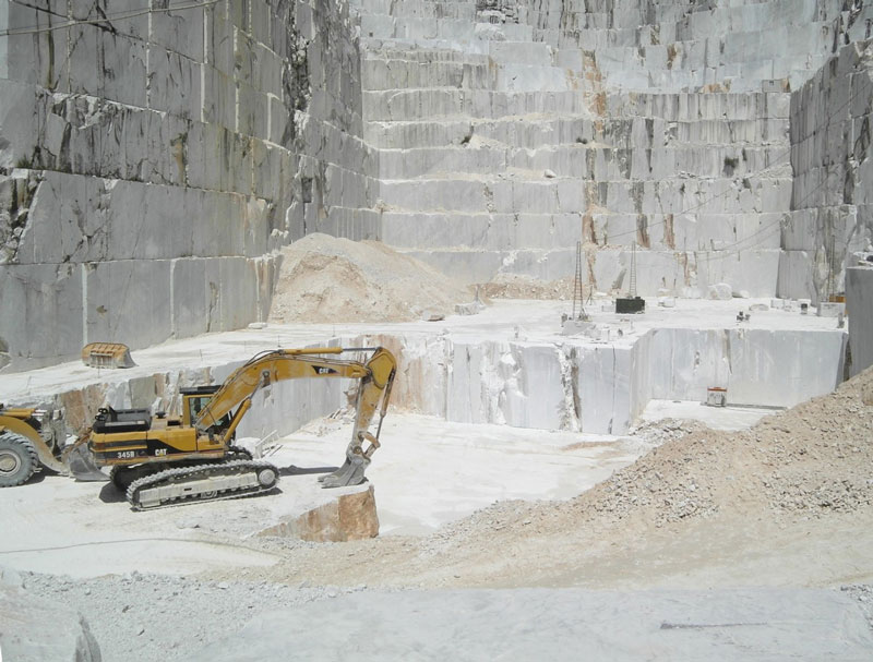 dekorativni-beli-prirodni-kamen
